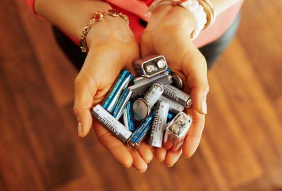 8 tužkových baterií vytřídil každý z nás