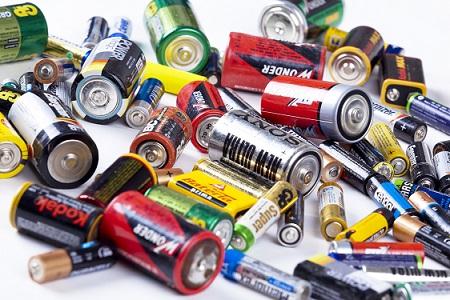 Baterií kupujeme stále více,  nejvíce v zimních měsících, nejméně v létě